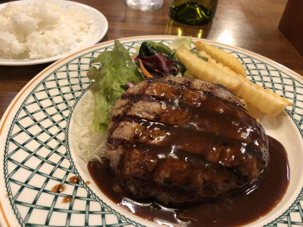 洋食屋のビーフハンバーグ