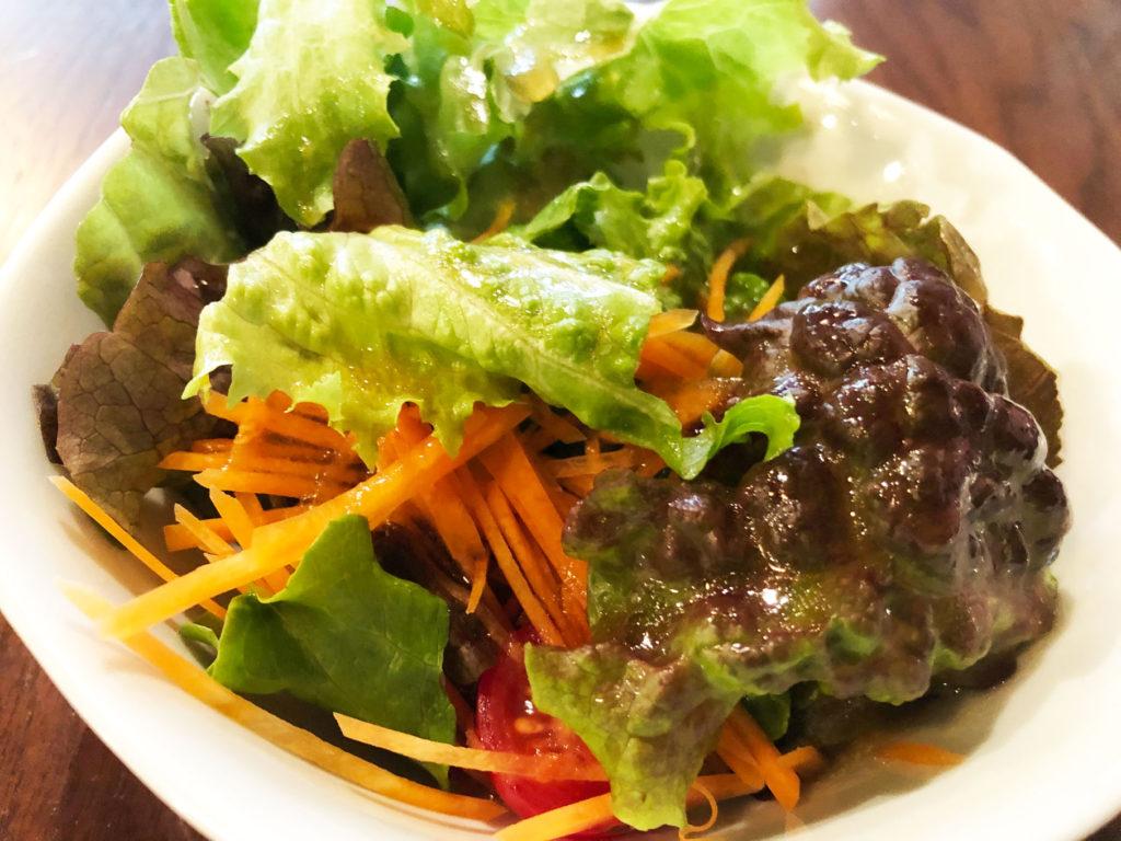 肉バル・ジラソーレのランチサラダ