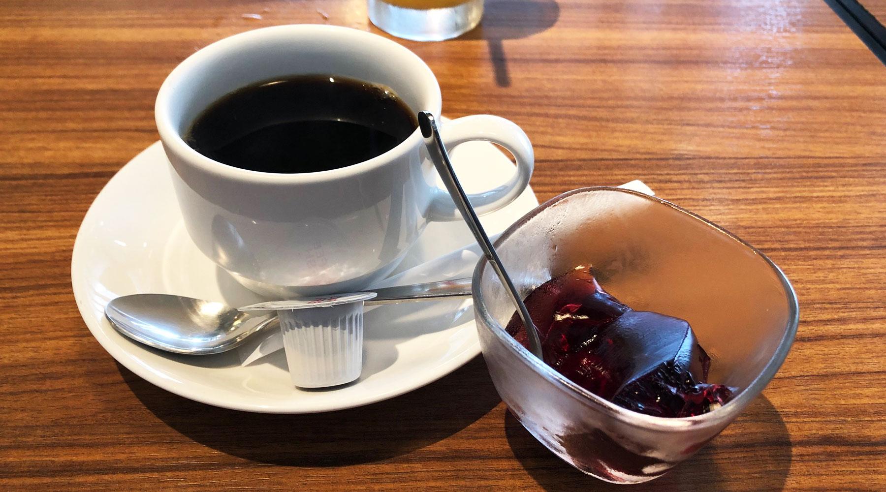 菜素美・食後のコーヒーとデザート