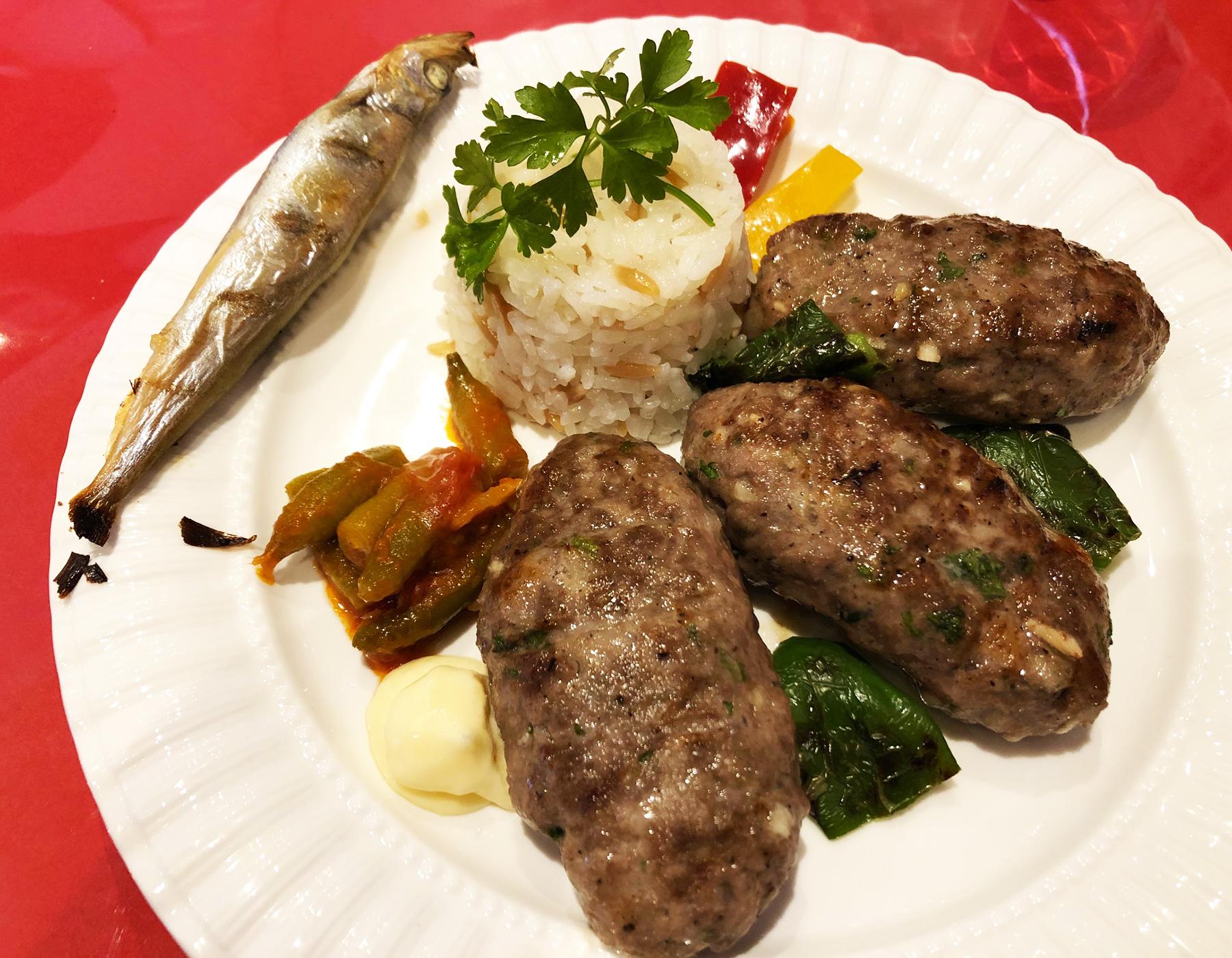 浦和のトルコ料理アセナのトルコハンバーグ「キョフテ」