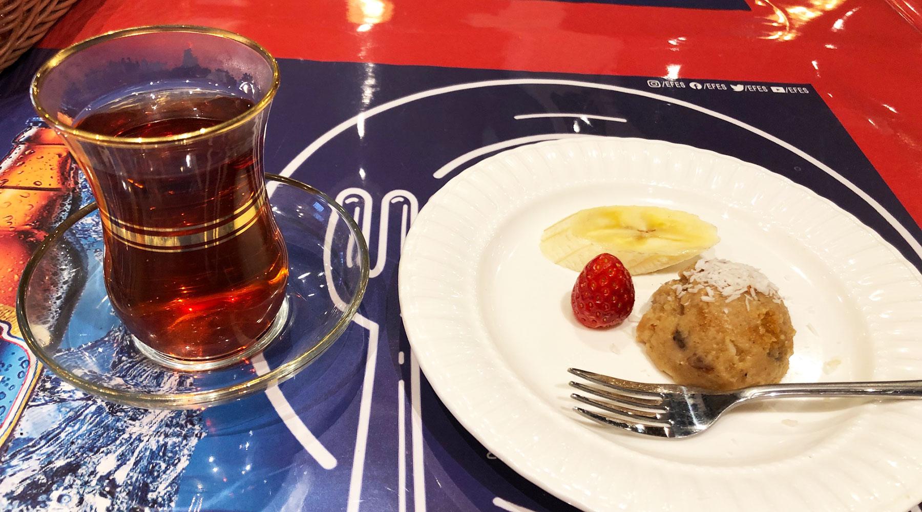 浦和のトルコ料理アセナ・食後のデザートとチャイ